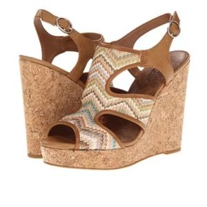 💕 2/$35 Lucky Brand $139 Riedel Wedge Sandal